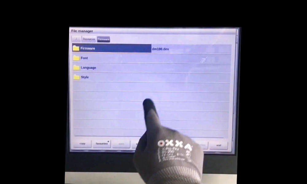 CAPACITIVE TOUCH SCREEN SUPPORT GLOVE AND FINGER